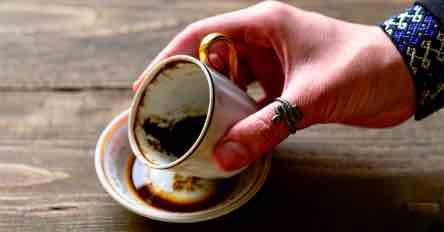 Caffeomanzia Come leggere i Fondi di Caffè ?